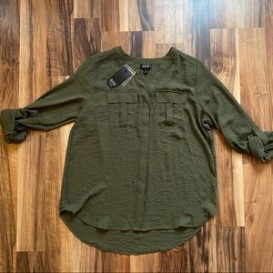 a.n.a. Green Blouse NWT Size Petite Small